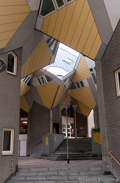 2014-02-The-Netherlands-Rotterdam-Cubicle-Houses-Lydian-Brunsting (1)