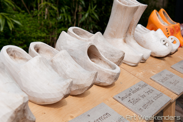 The-Netherlands-Keukenhof-Gardens-Clogs