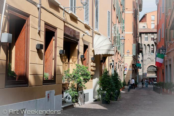Italy_Bologna_restaurant