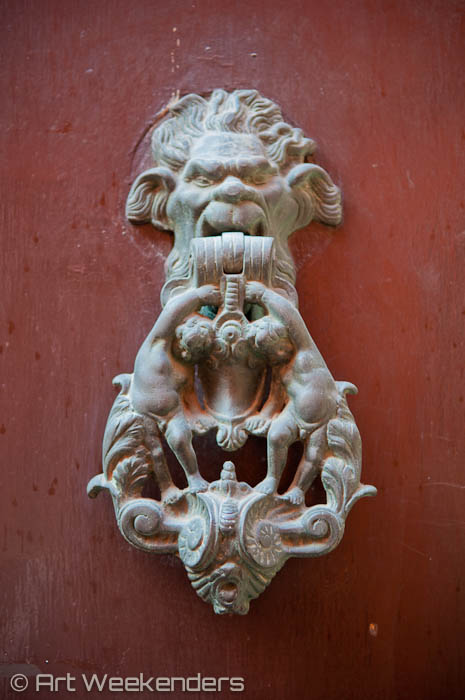 2014_Italy_Bologna_door_knockers