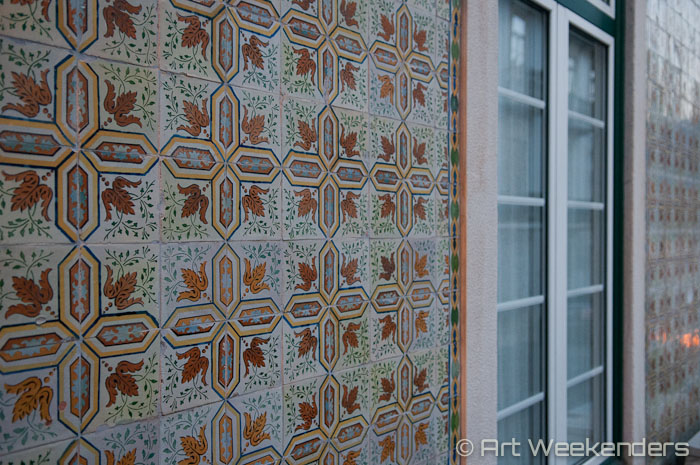 tiled-wall-alfama-lisbon