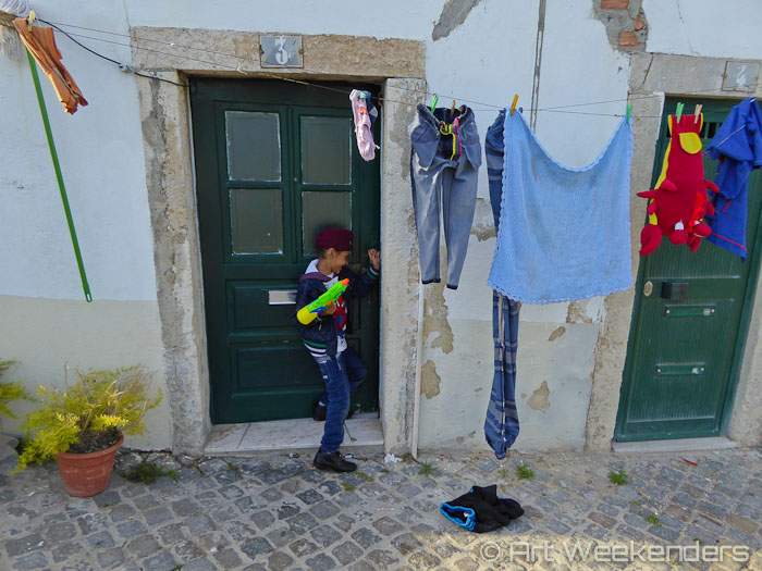 Street-life-in-Belem-Lisbon
