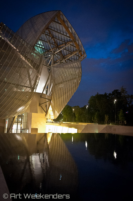 France_Paris_Fondation_Louis_Vuitton_Foundation_Fondation_at_night