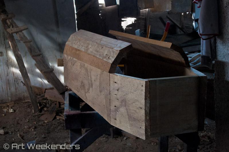 Ghana fantasy coffin art making