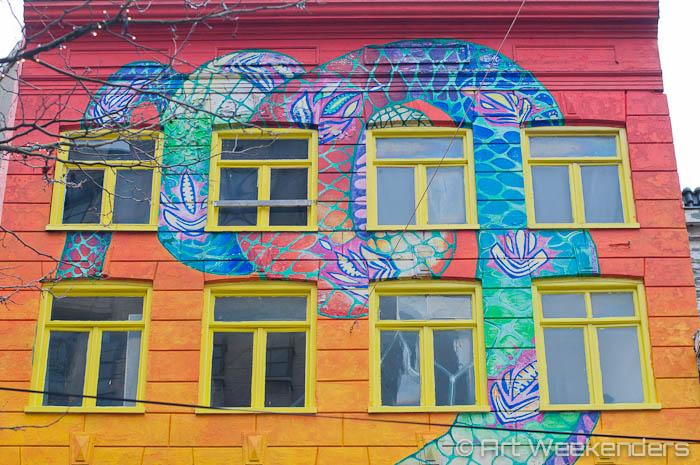 The-Netherlands-Amsterdam-De-Slang-Snake-House-Street-Art-1